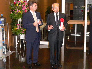 Erno Bohar, the Hungarian Ambassador to Japan (left)