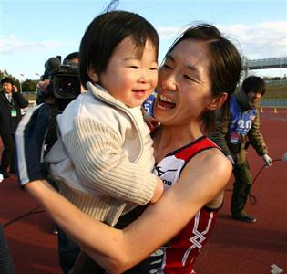 城西大学OG赤羽有紀子さんが千葉国際駅伝でアンカー、日本チームを1 ...