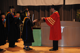 Presentation of the honorary doctorate to Zhang De Xiang
