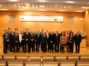 A commemorative photo taken after the seminar February 2013