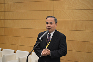 Minister from the Embassy of Thailand, Singtong Lapisatepun speaks at the reception
