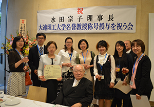 Commemorative photo with Japan-China Joint Doctoral Program students