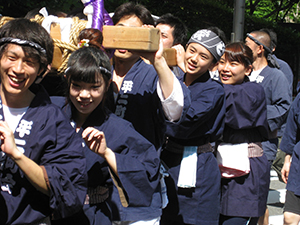 Carrying the Hirakawacho 2nd ward shrine 1