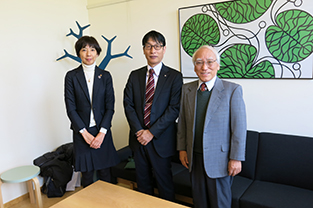 With Director Hideo Akutsu of JSPS Stockholm Office