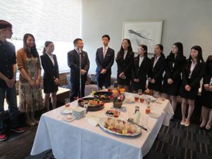 Director of Graduate Studies at TFSU, Li Yunbo (4th from left), with exchange students