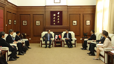 Meeting with President Xiu Gang at Tianjin Foreign Studies University