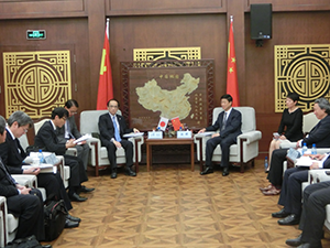 Meeting with President Lin Qun